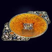 Конфетница из янтаря с декором из белой бронзы или серебра 875 пробы и эмали