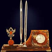Письменный прибор из янтаря с декором из белой бронзы