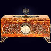 Ларец «Державный» из янтаря с декором из белой бронзы