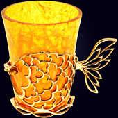 Стопка в стопочнице из янтаря с декором из белой бронзы