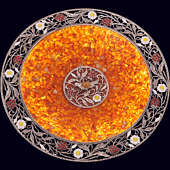 Блюдо «Малиновка» из янтаря с декором из белой бронзы