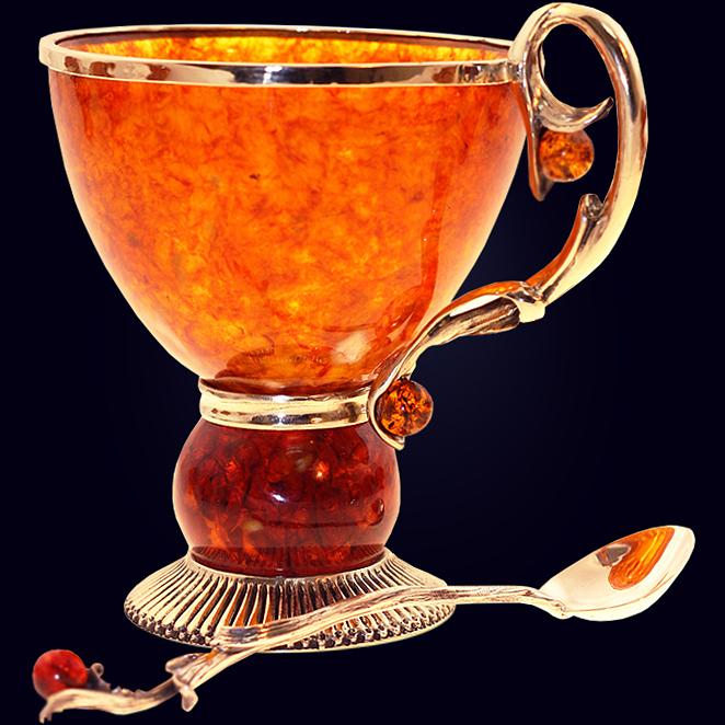 Чашка чайная «Саламандра» из янтаря с декором из белой бронзы