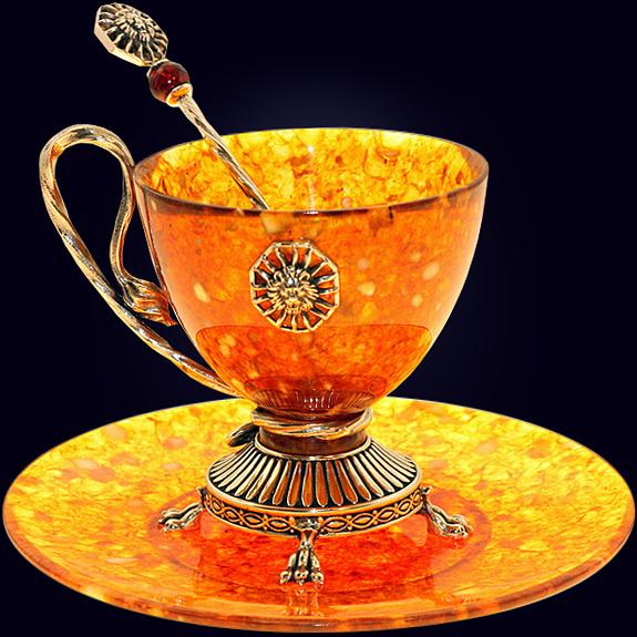 Чашка чайная «Цезарь» из янтаря с ложечкой с декором из белой бронзы