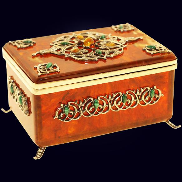 Коробочка для чая «Восточная сказка» из янтаря с декором из белой бронзы