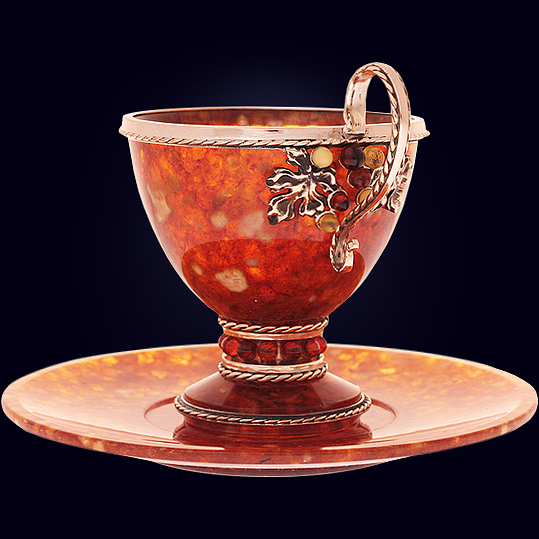 Чашка чайная «Виноград» большая из янтаря с декором из белой бронзы