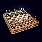 Шахматы янтарные с декором из белой бронзы