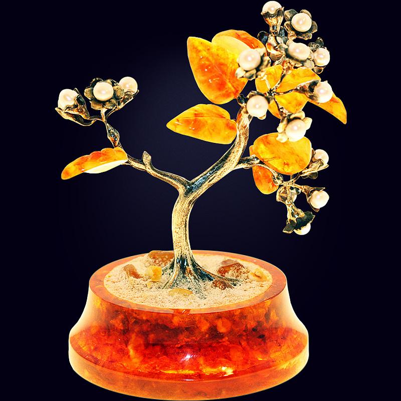 Сувенир «Цветущая сакура» из янтаря с декором из белой бронзы