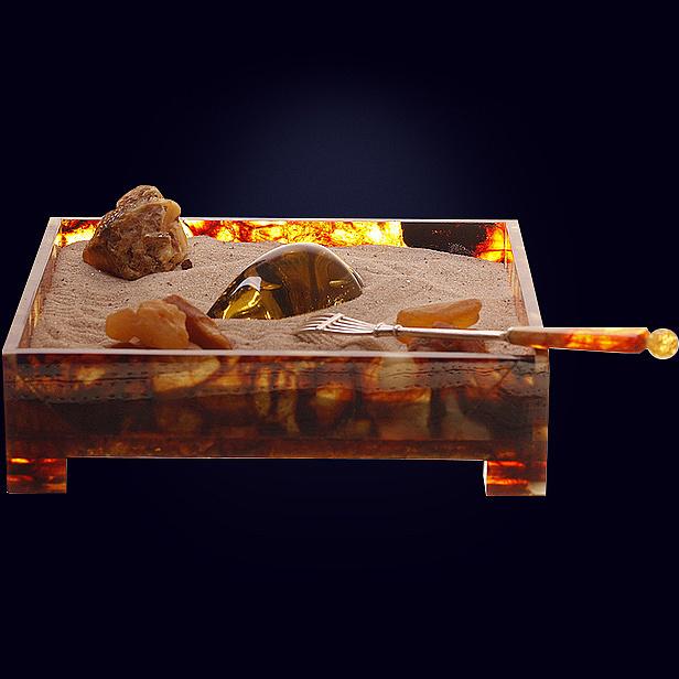 Дзен-сувенир «Янтарный сад» из янтаря с декором из белой бронзы