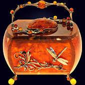 Шкатулка «Лето» из янтаря с декором из белой бронзы
