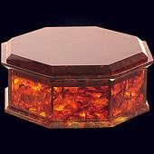 Шкатулка «8 граней» из янтаря