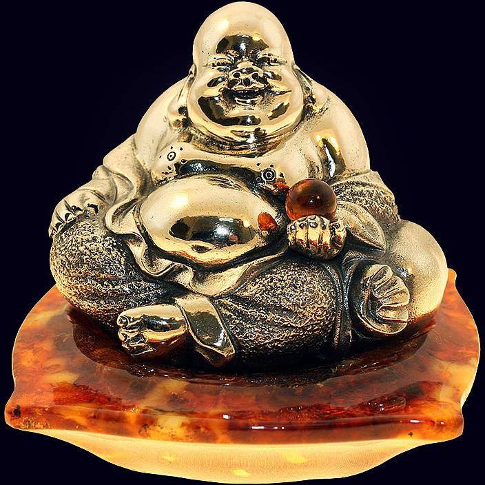 Сувенир «Будда на подушке» из янтаря с декором из белой бронзы