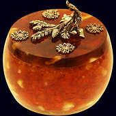 Шкатулка «Зимняя сказка» из янтаря с декором из белой бронзы и кристаллов Сваровски