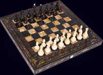"Шахматы ""Арабески Тина"" 42х42 см из морёного дуба с инкрустацией янтарём"