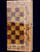"Шахматы ""Готика"" из карельской березы с инкрустацией янтарём"