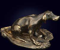 Скульптура «Собака с фазаном»