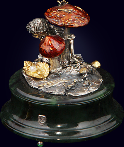 Ювелирная композиция «Эльфиня с жемчужиной»