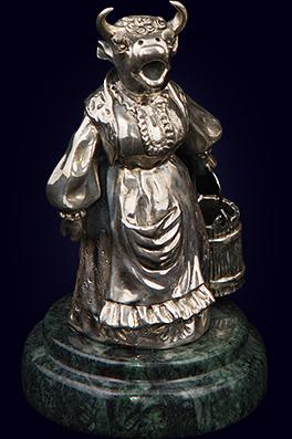 Серебряная статуэтка «Деревенская песня»