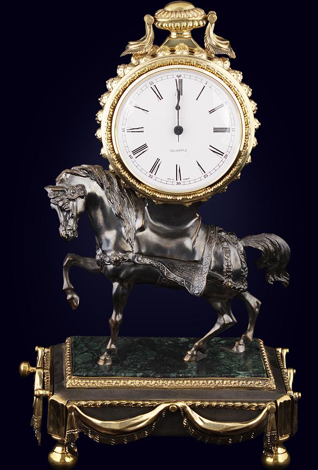 Часы со шкатулкой «Лошадь»