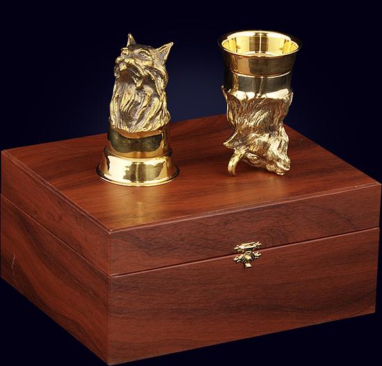 Набор из 2-х чарок «Охотничий» из позолоченной бронзы в футляре