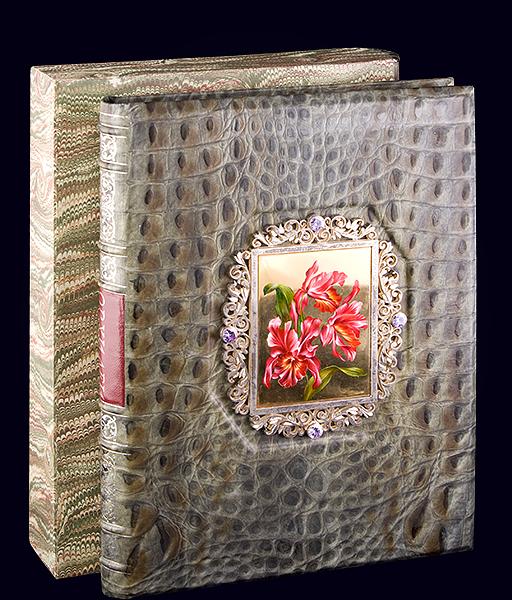 Книга «Орхидеи» в VIP-переплёте