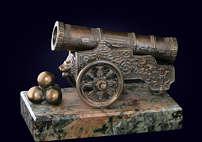 Сувенир «Царь-пушка» из латуни на пьедестале из камня