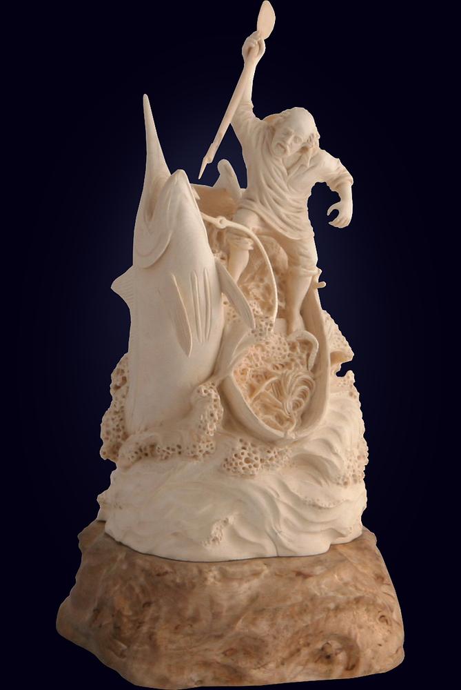 Авторская резная скульптура «Старик и море» из бивня мамонта и карельской берёзы