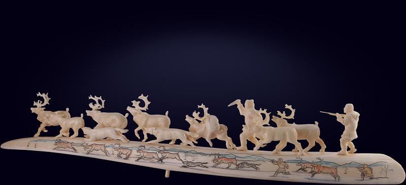 Авторская резная композиция «Волчья атака» из клыка моржа и бивня мамонта