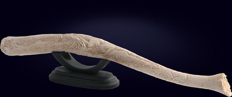 Композиция «Хрен моржовый» с резьбой по кости пениса моржа