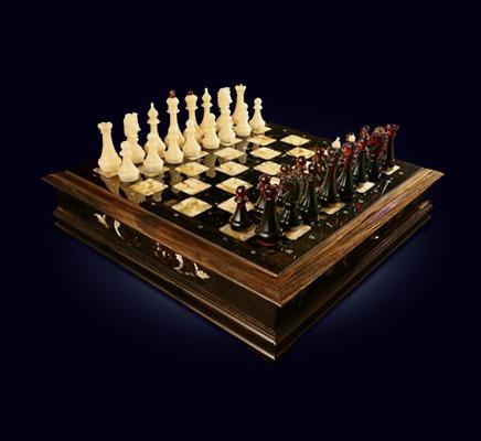 Шахматный ларец из янтаря и морёного дуба