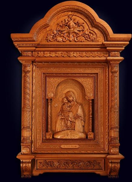 Резная икона Почаевской Божьей Матери