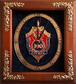 Настенные часы «100 лет ФСБ» в деревянной раме