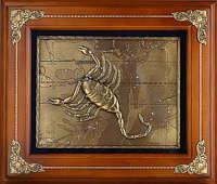 Деревянная ключница настенная «Скорпион»