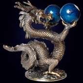 Скульптура «Дракон с шарами» из бронзы