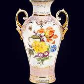 Ваза «Валентина» из фарфора с авторской надглазурной росписью