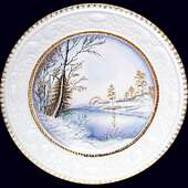 Блюдо настенное «Первый снег» с авторской надглазурной росписью