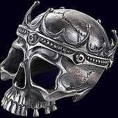 Сувенир «Череп короля» из оксидированного серебра 925 пробы