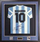 Майка сборной Аргентины с подлинным автографом Диего Марадоны