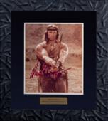 """Фото со съемок фильма """"Конан-варвар"""" с подлинным автографом Арнольда Шварцнеггера"""