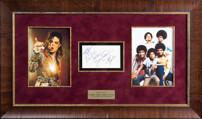 Карточка с автографами Майкла Джексона и участников группы The Jackson 5