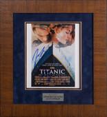 """Афиша фильма """"Титаник"""" с подлинными автографами Кейт Уинслет и Леонардо Ди Каприо"""