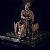 Скульптура «Тамерлан» из латуни с чеканкой и патиной на составном пьедестале из камня