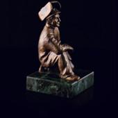 Статуэтка «Сварщик» из латуни на пьедестале из змеевика