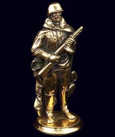 Статуэтка «Солдат»