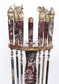 Набор шампуров «Охотничий» на подставке из яшмы и латуни