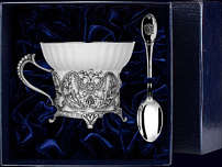 Серебряная чашка с ложкой «Герб» в футляре
